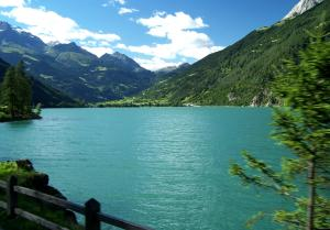 Lago_di_Poschiavo